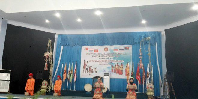 Kelas Internasional Prodi Agribisnis Tampil di Festival Budaya Internasional UNTAD